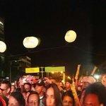 La #FeriaDeLasFlores ha comenzado, vení a disfrutar de un gran concierto inaugural ¡Hecho para vos! https://t.co/YUgoigptSU
