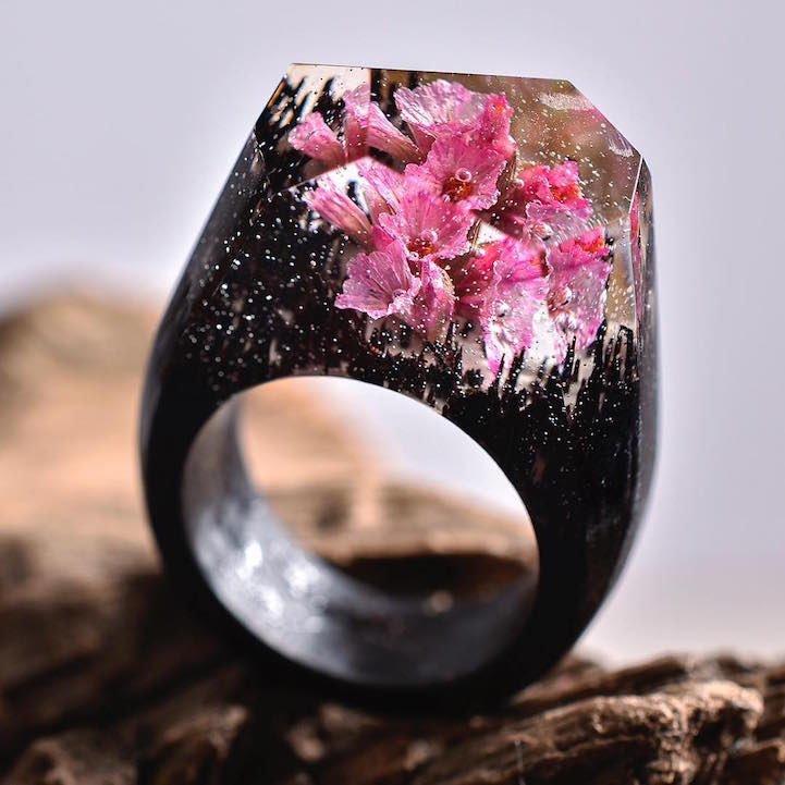 レジンと木で作られた、まるで風景を閉じ込めたようなリング。Secret Woodから新作続々。mym…