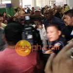 Welcome to Manila @selenagomez!!! Were excited for tomorrows #RevivalTourMNL! #SelenaGomezMNL https://t.co/3LKNBo99Bq