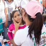 Los niños de Petare se divierten con pinta caritas, colchones inflables, títeres y mucho más. #100milSopasEnPetare https://t.co/nuzKwQqRKu
