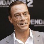 Jean-Claude Van Damme abandonó entrevista por incómodo episodio https://t.co/W7ifdxiiwL https://t.co/axsjr1R6NU