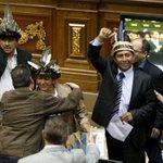 Asamblea Nacional juramentó a diputados por Amazonas desacatando al TSJ https://t.co/5gi4Il1a9u https://t.co/N4PcJo2TB8