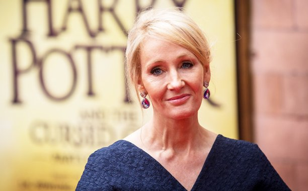 J.K. Rowling meets the 'Harry Potter and the Cursed Child' cast in a new photo: