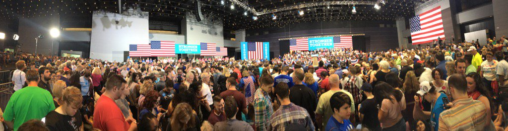 Packed here at the Clinton rally in Pittsburgh! https://t.co/l9gyIMIueE