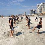 An early morning stretch & loosener in Atlantic City 🏖⚽️☀️ #GameDay https://t.co/gzQK6Bij6j