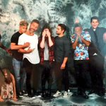 Teen Wolf Cast with a fan at WolfCon in Amsterdam. https://t.co/wBfBUXwlzC