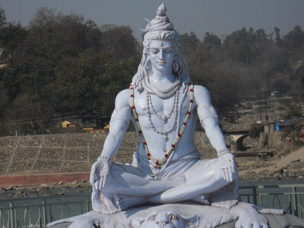 ちなこれシヴァ神の像なんだけどイケメン過ぎてずるすぎてずるすぎてずるい