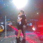 El momento más bonito de cada concierto... 😍😍😍 @haashoficial #PerdonPerdon #KCAMexico https://t.co/dD4hDuXuF9