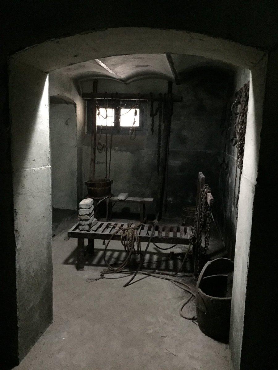 優しい感じの親切なおばさんにお勧めされて行った博文館に強烈な拷問部屋がありました。美人局にあった人の…