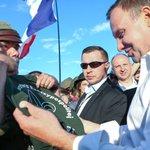 .@AndrzejDuda wśród pielgrzymów w Brzegach. >> FOTORELACJA: https://t.co/KE2wKxhzlD https://t.co/lDLovDNQaP