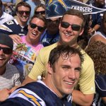Say cheese😀 #ChargersCamp https://t.co/oivTd6pH3N