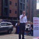 That Smith bloke knows how to pull a crowd.. @jeremycorbyn #WeAreHisMedia https://t.co/k96w2bbpwK