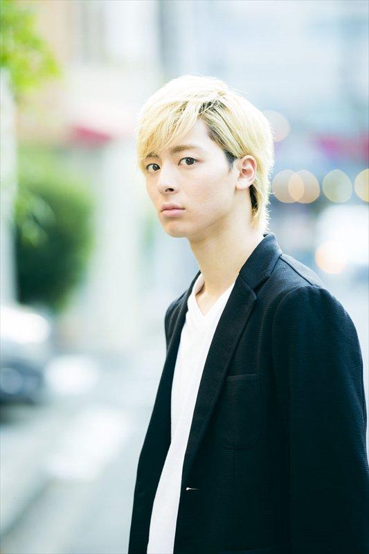 【TVLIFEWEB】映画「PとJK」高杉真宙金髪カット解禁 本人コメントも!tvlife.jp/2…