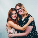 Holland with a fan at the WolfCon todas in Amsterdam. https://t.co/td8lh3JvrY