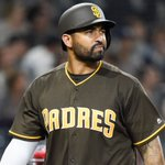 Report: Padres trade Matt Kemp to Braves for Hector Olivera https://t.co/IDNGABWNE0 https://t.co/TnSFHBh5pD