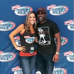 @Country1025WKLB #KLBFestival with @dariusrucker ! Such an awesome night! #Boston #Country Happy to meet you there!😆 https://t.co/Yp6SkEEHhz