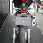 それではここからは発表されたてほやほやで #鈴鹿8耐 に展示されているHondaの新型CBR250RRの画像をお楽しみください! #鈴鹿8耐 https://t.co/EQ1S0FpaWu