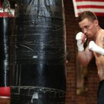 Frampton beats Santa Cruz for WBA Featherweight title: https://t.co/Iyk7vhtqWB https://t.co/zf6cawthwS
