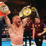 Carl Frampton produced a stunning performance to defeat Leo Santa Cruz and win the WBA featherweight title https://t.co/DvlPnEo6lf