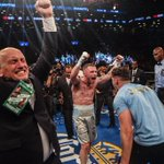 History Made! @RealCFrampton wins in New York vs Leo Santa Cruz to become a two-weight World Champion!👏 💪 #AndTheNew https://t.co/1wOrC8YlHa