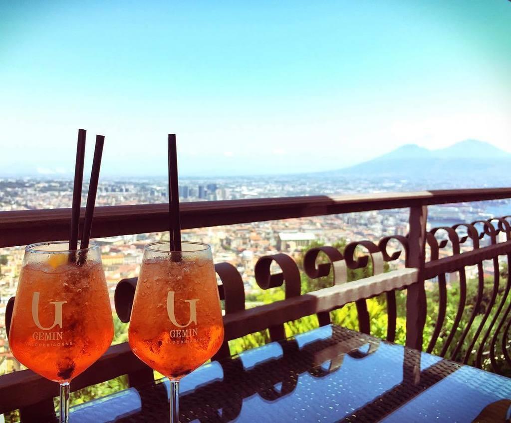 #Spritz with a view! Saluti! #vesuvio #italy