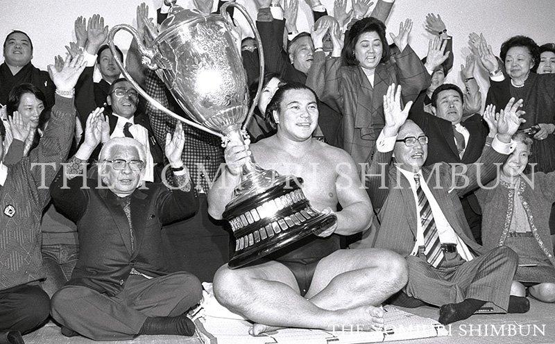 「小さな大横綱」と呼ばれた元横綱・千代の富士の九重親方が31日、すい臓がんのため亡くなりました。61…