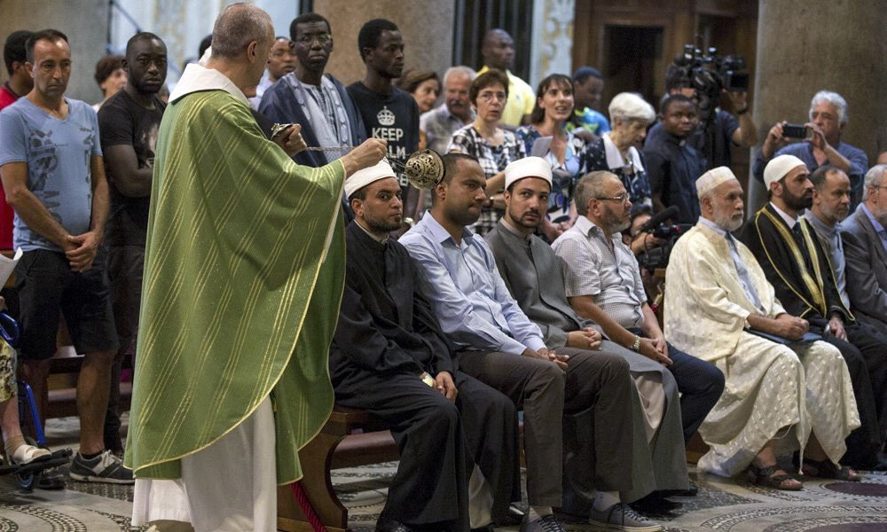 Thank you 2,000 Muslims who attended mass in France. You are the true face of Islam of the Prophet of mercy: https://t.co/LvAJDHBtu7