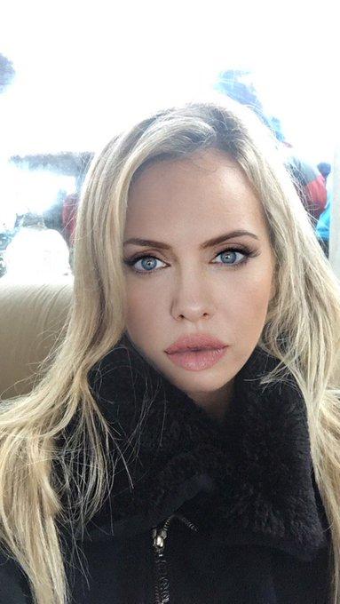 Me puse la cara de @AngelinaJolie__  la boluda le dicen ???? https://t.co/cew6IgIsY4