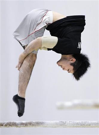 競技ではミスをしない絶対王者が…  【五輪体操】「ポケモンGO」で課金50万円? 内村航平、五輪前に…