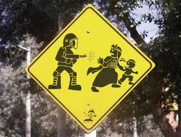 Los nuevos letreros de los caminos en territorio mapuche. https://t.co/MQZVwqoZpp