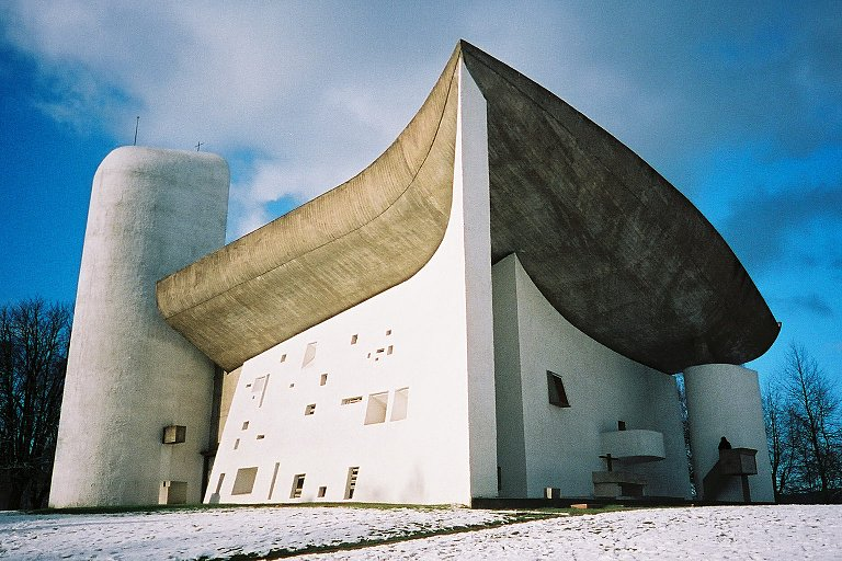 17 projects designed by Le Corbusier have been added to the @UNESCO World Heritage List: https://t.co/IpT9EXRkoo https://t.co/fIIEIDN52o