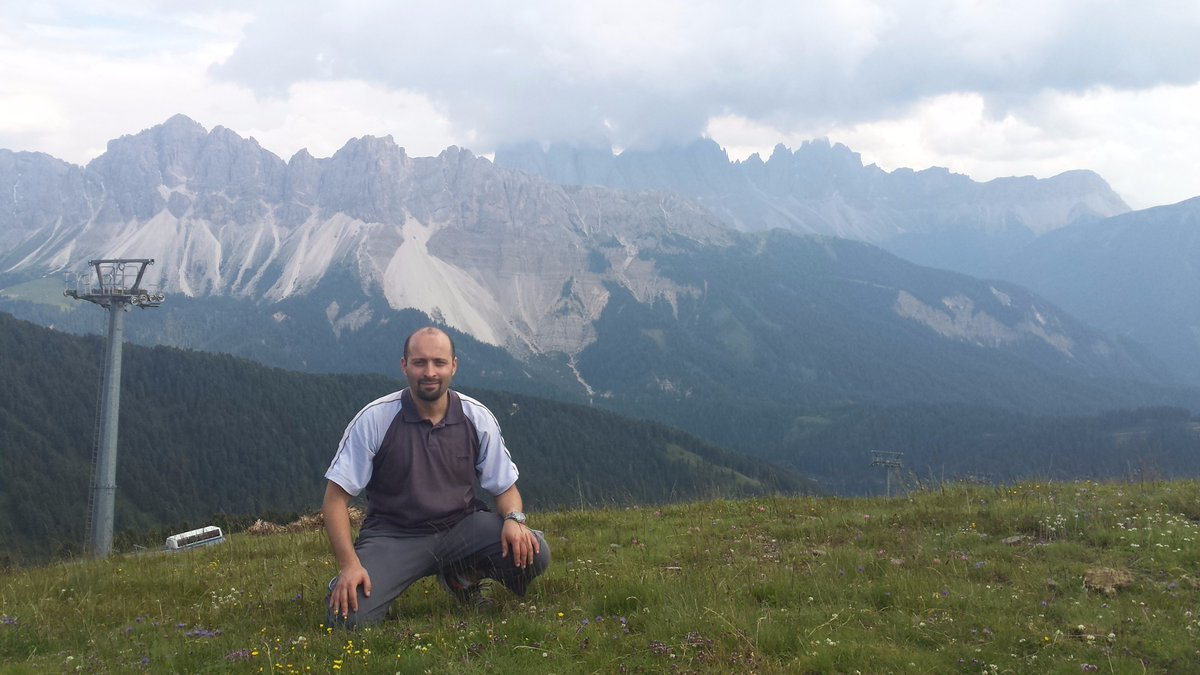 test Twitter Media - Prof. Djamel Djenouri from CERIST visited us this July. Great talks and some hiking in the alps !!! https://t.co/WIGKAHNN6H