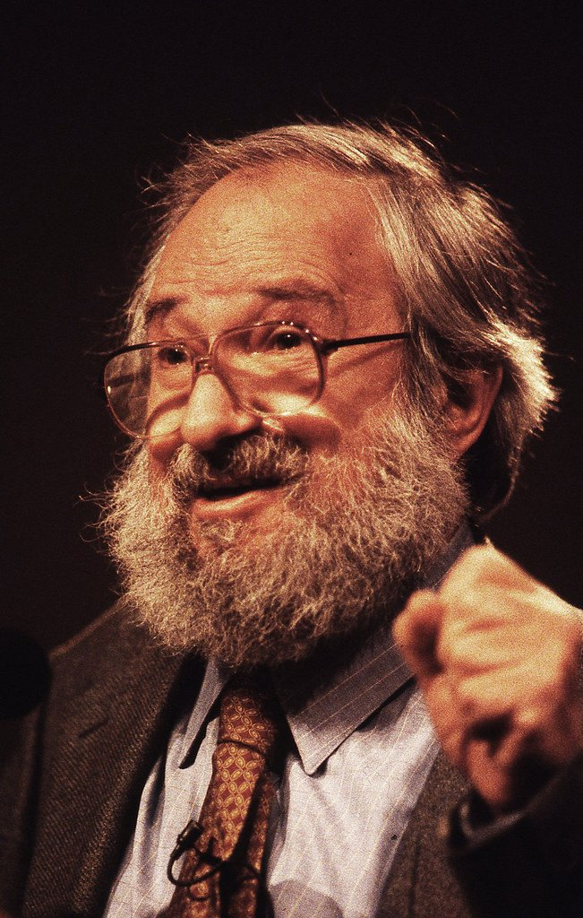 Seymour Papert, educational-technology visionary, has passed away at 88 https://t.co/QEhRi1MrCO https://t.co/m7HvDd6nYr