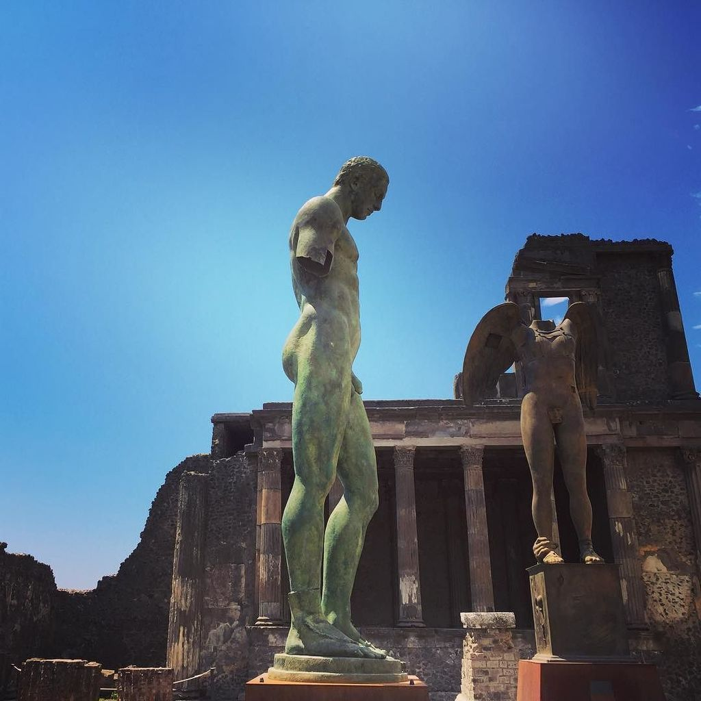 Amazing #pompeii! #pompeiiruins #italy