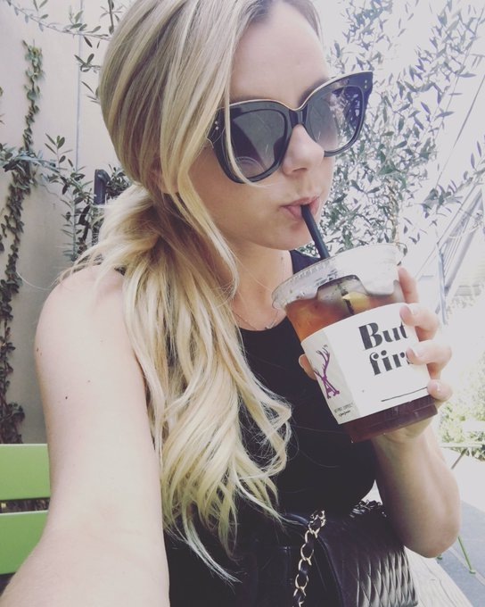 Yum yum #alfredcoffee ??? https://t.co/bNO5H1ioEF