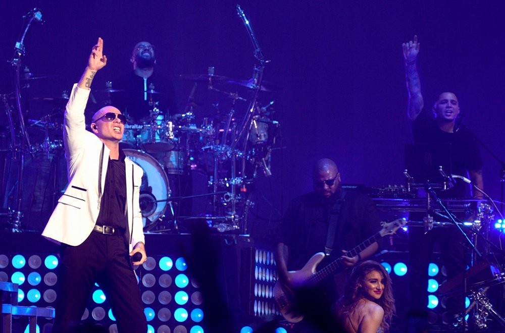 Hollywood, FL let's set the roof on fire @FuegoFBM @HardRockHolly #Dale https://t.co/QaIoKxUujE