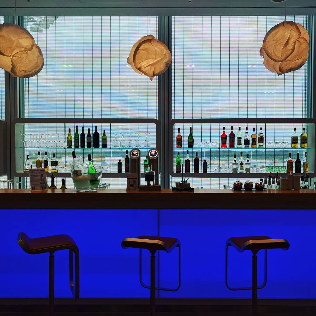 Grab a drink at the new Lufthansa Senator Lounges at Munich Airport. Photo by:
