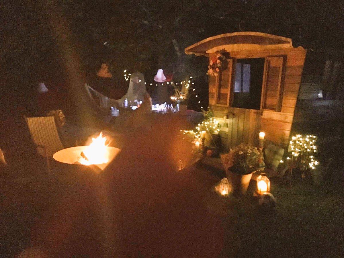 Camping Last Night ???????????????????? https://t.co/f6WqRPYIRq