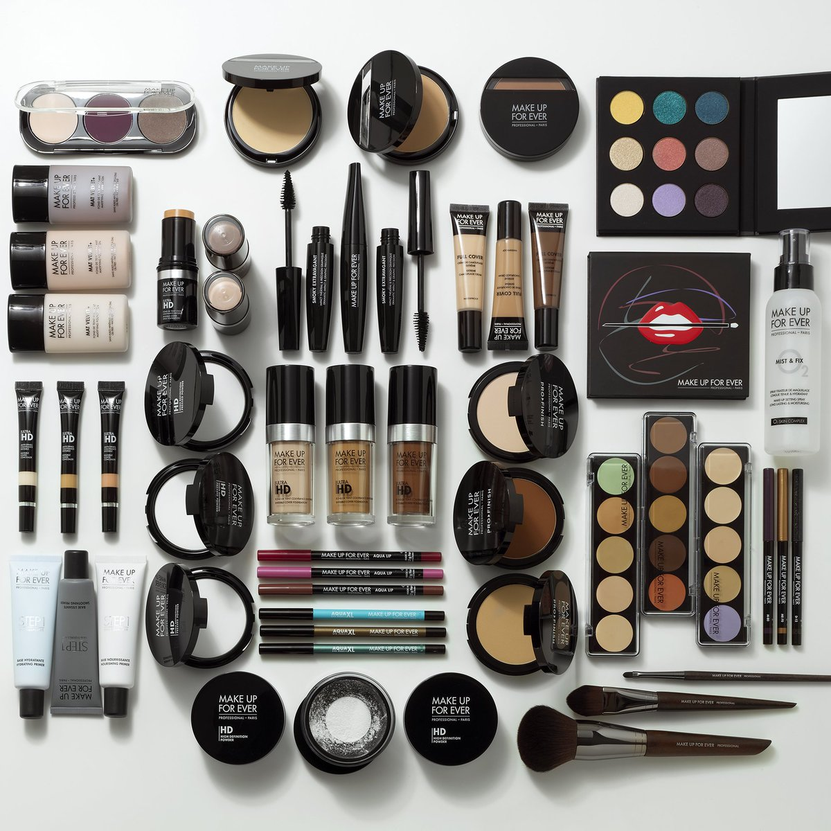Just a FEW of our favorite things! RT if one of these is your #MAKEUPFOREVER fave! #makeupjunkie #makeup https://t.co/STZONE32pN