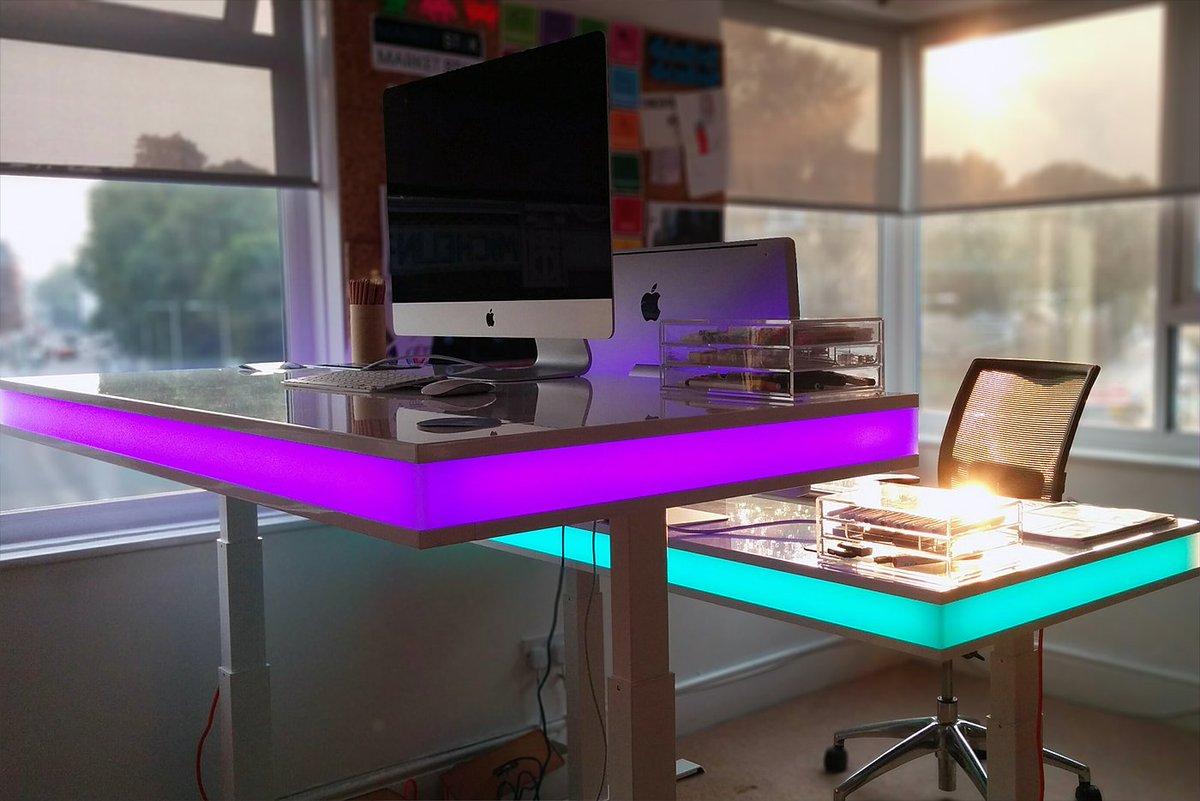TableAir Smart Desk Changes Height via Sensing Module #technology #innovation https://t.co/cQWvzFpv5F https://t.co/QIgqWkuBUW