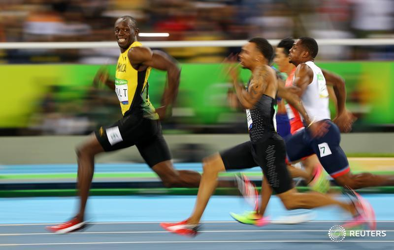 Great @Reuters photo of @usainbolt by Kai Pfaffenbach https://t.co/tAsCS5utE1
