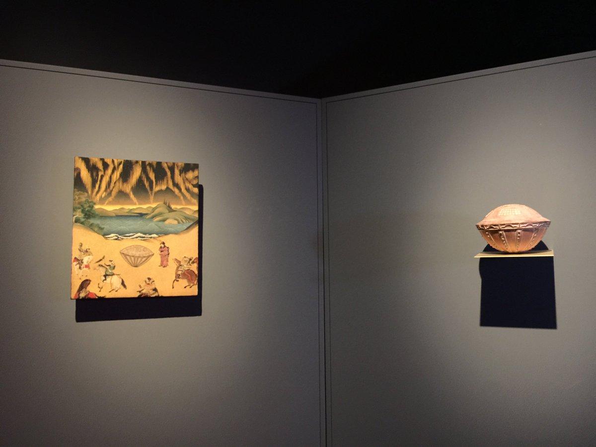 森美術館の『宇宙と芸術展』に行ってきました。宇宙好きにはたまらない内容で大満足w とくに、曼荼羅アートと、昔の人が見たUFOといわれている写真のような展示にシビレましたw https://t.co/rtuwkkDaDM