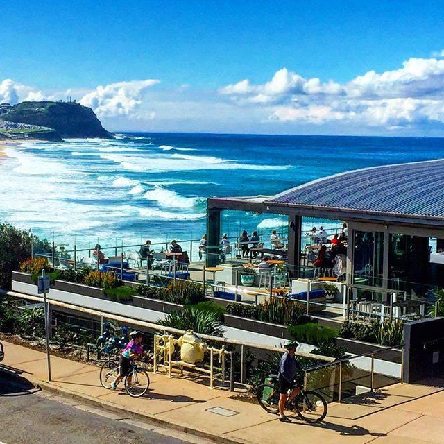 270도의 탁 트인 전망을 자랑하는 시드니의 Merewether Surfhouse 레스토랑!  #호주 #wowaustralia #시드니  사진:@jobooth https://t.co/VXom6UbIQH