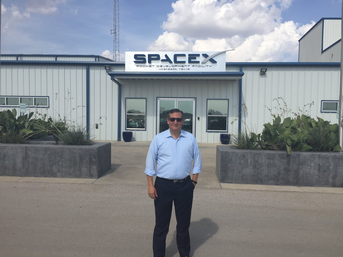 Sen. Cruz visits @SpaceX in Texas https://t.co/Wepg6T37tV https://t.co/f8MNmhM616