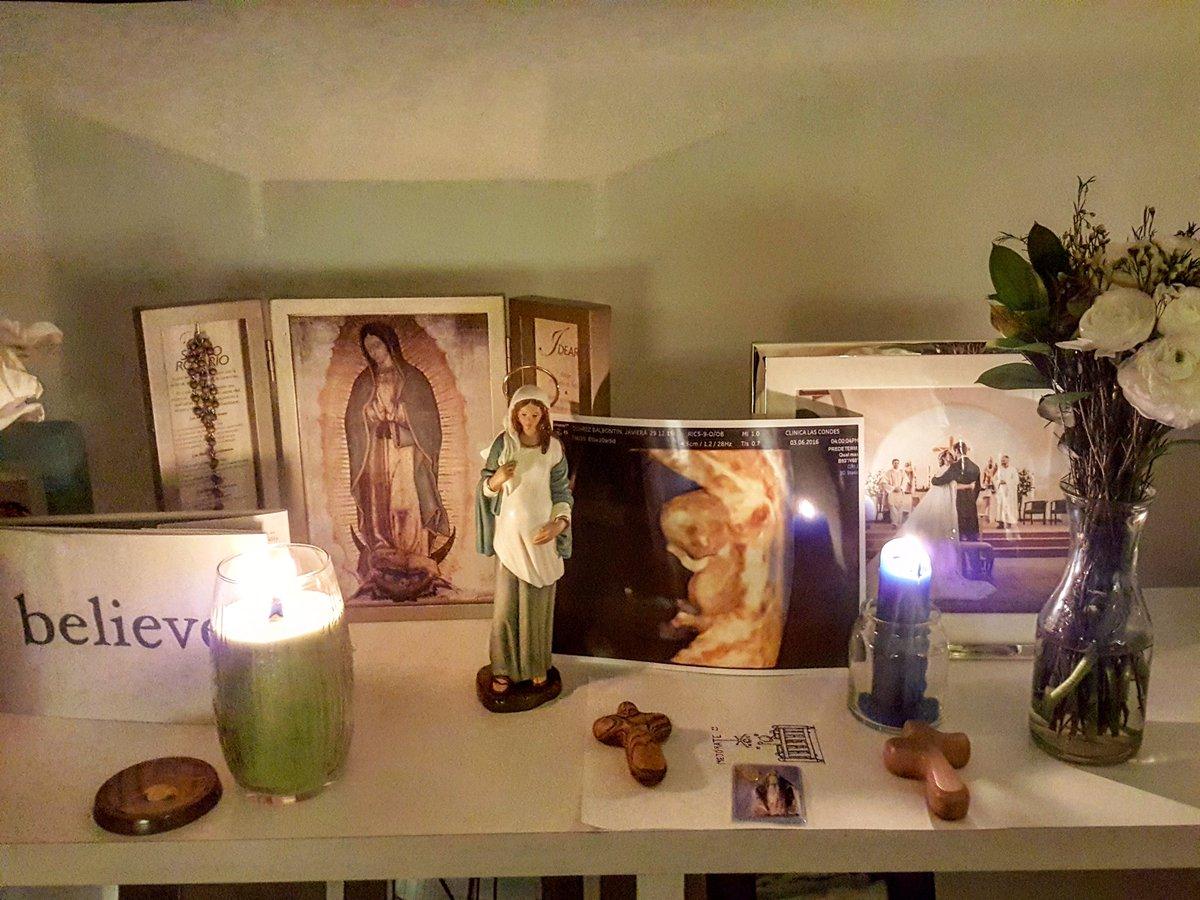 Los invito a rezarle aunque sea un Ave María en este diá tan especial... gracias por el cariño enorme de todos uds! https://t.co/nbq2YbBSRU