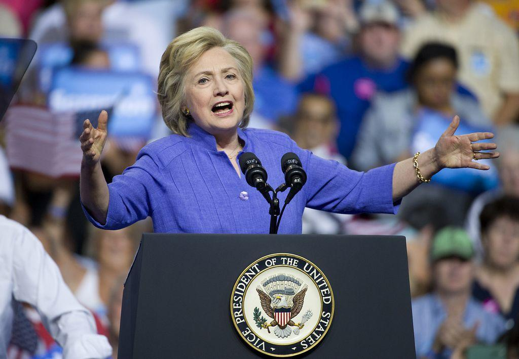 House panels lay out case for Clinton perjury accusations