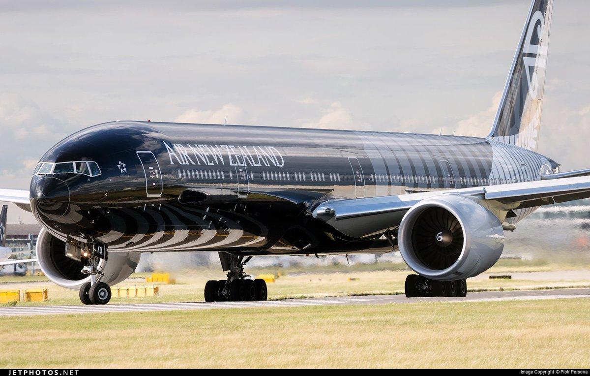 RT @JetPhotosNet: A @FlyAirNZ 777 taxiing at @HeathrowAirport. © Piotr Persona