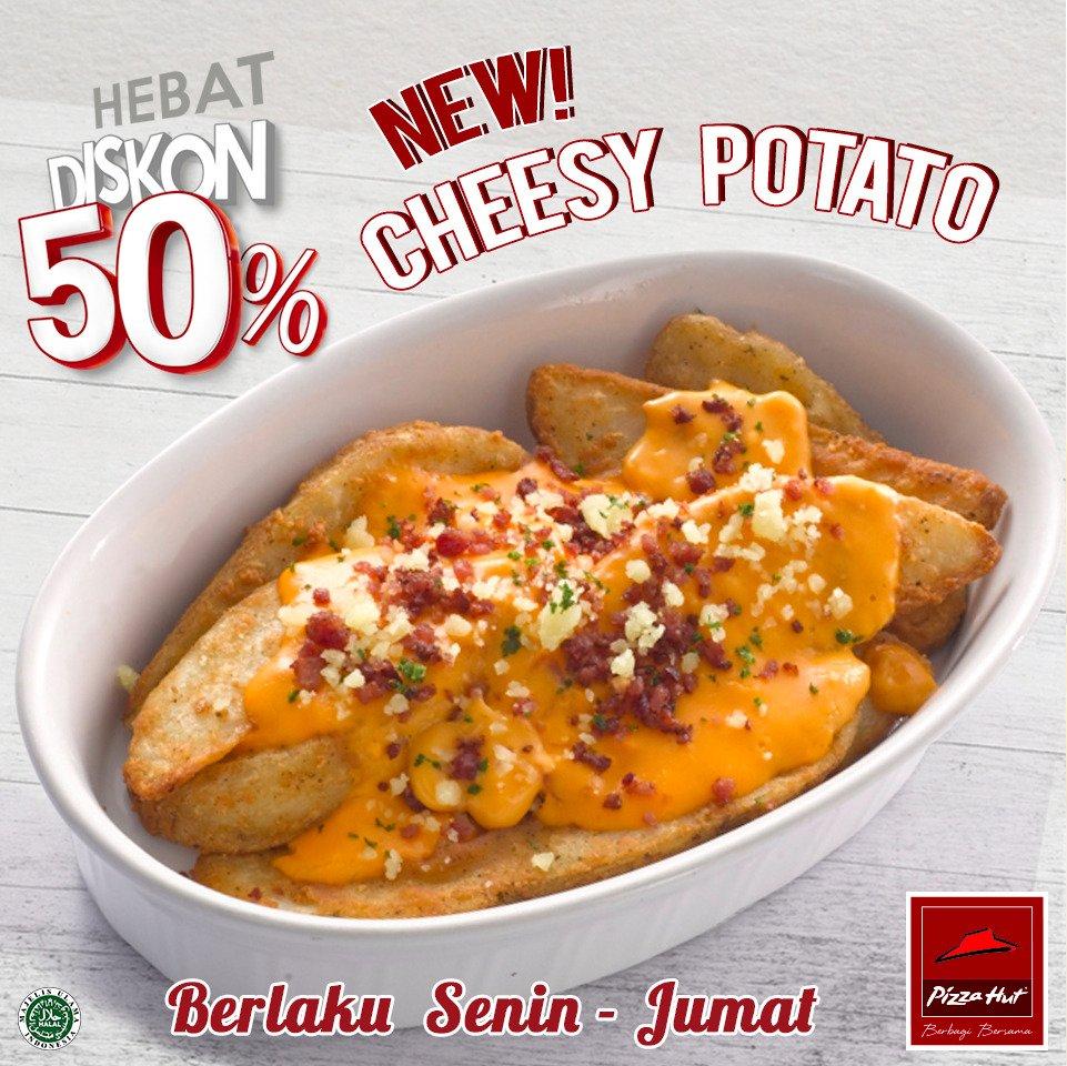 Yuk, coba lezatnya kentang panggang berlapis saus keju cheddar. Info: https://t.co/xYXbvASSOa #Hebat50 #PizzaHutID https://t.co/9wvFbl7XDY
