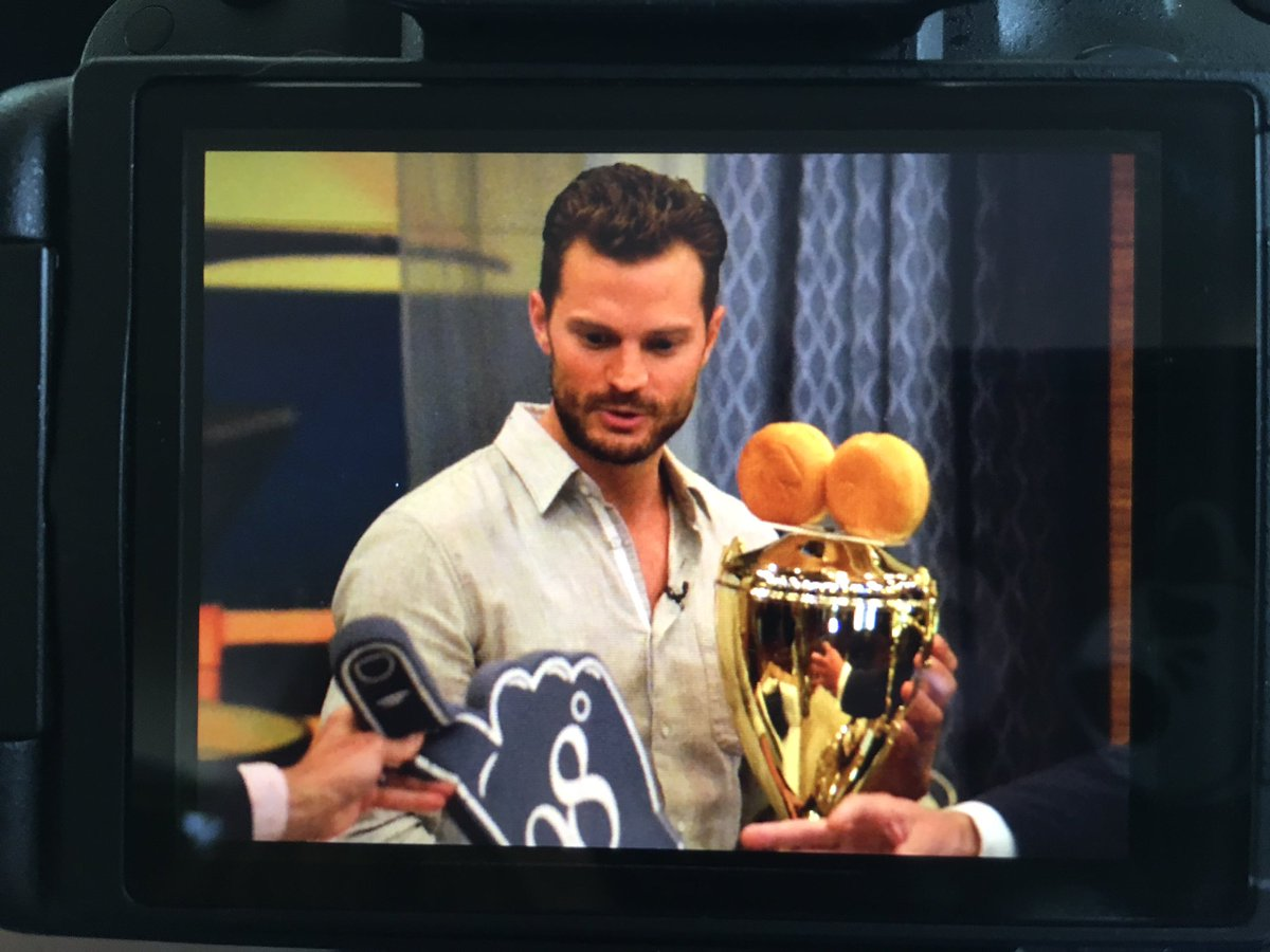 Some of my photos from Live with Kelly today! #JamieDornan #Anthropoid https://t.co/xC0nuGLCYq