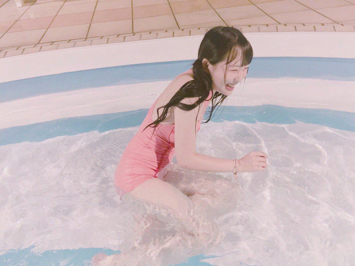 念願ナイトプール〜🌕  verybrainのとびきりピンク、 やぱり、かわいー、、